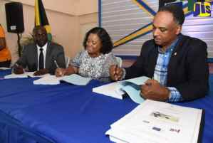 Bog Walk Police Station And Health Centre to Be Upgraded