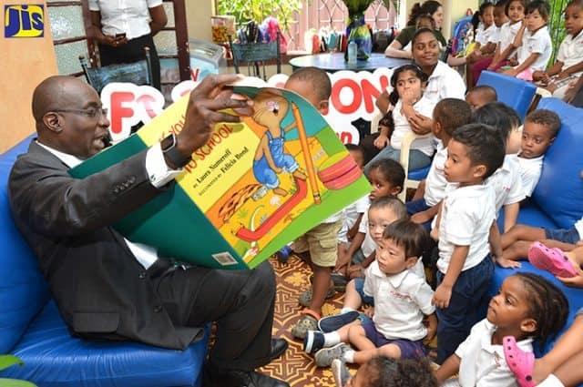 Hon. Ruel Reid Reads to Kids