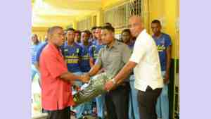 Sandals Donate Cricket Gear to Ocho Rios High School