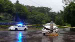 Taxi Operator Shot by Gunmen Posing as Passengers