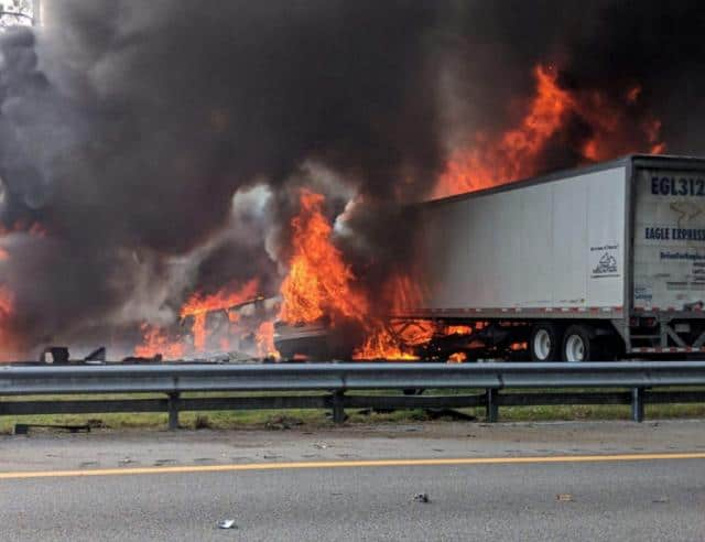 Lanes Reopen After Florida Highway Crash Kills 7