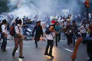 Venezuela riot- Venezuela riot yet again claim the life of three