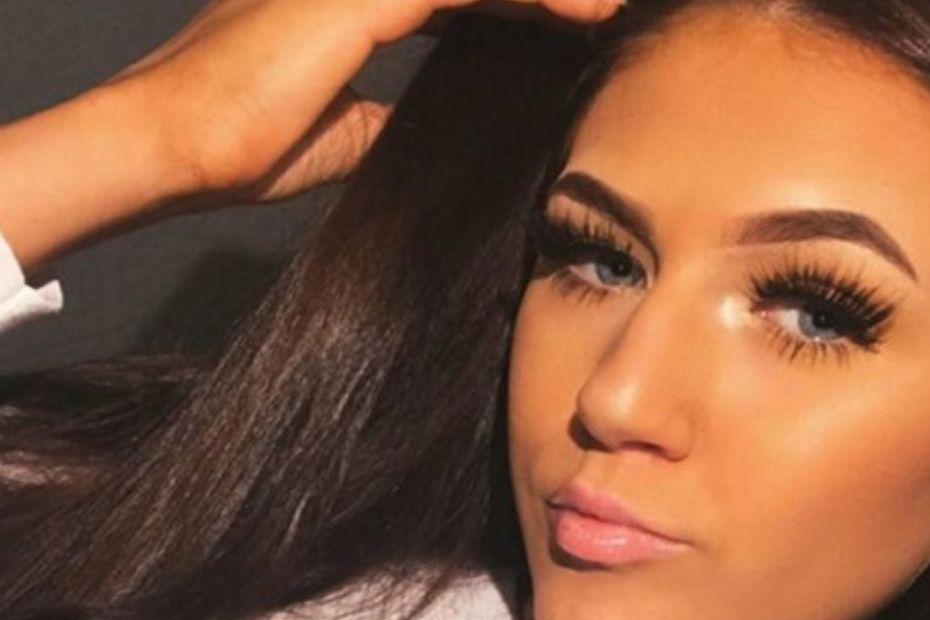 19-Year-Old Girl Obsessed With Social Media Commits Suicide After Not Getting Enough Likes!