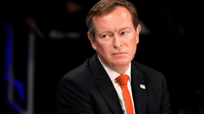 Exhausted Dutch minister leading coronavirus fight quits