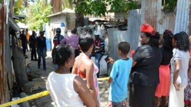 TEENAGE GIRL SHOT IN THE BUTTOCK FLEEING GUN ATTACK IN COMMUNITY
