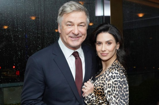 Hilaria Baldwin says Alec Baldwin didn't kiss her for 6 weeks while dating