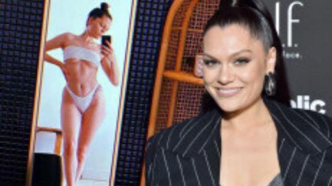 Jessie J stuns in a white bikini while posing for a mirror selfie