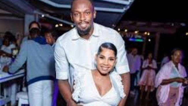 Usain Bolt & Girlfriend Kasi Bennett Turn Up At Birthday Getaway With Friends
