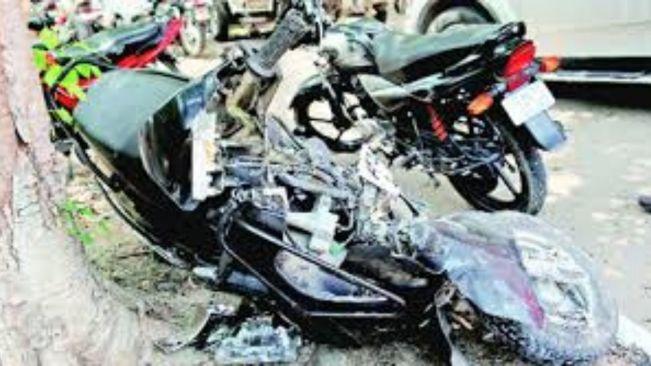 3 die as bikes collide head-on