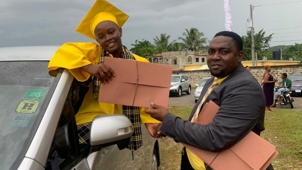 Chatsworth Primary and Infant Drive Thru graduation
