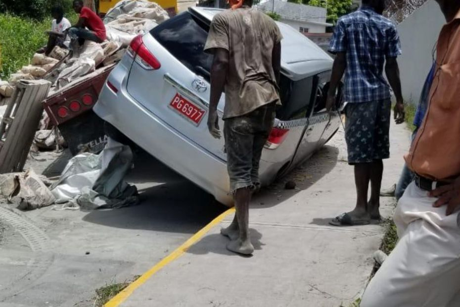 Narrow escape after crash in MoBay