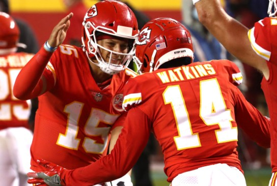Chiefs and Patrick Mahomes rip Texans in NFL season opener