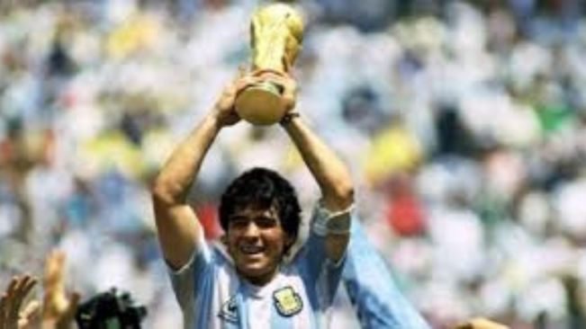 Thousands disappointed as viewing of Maradona's body cut short