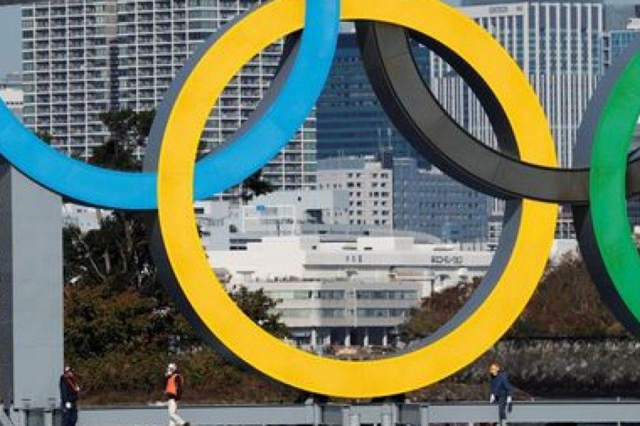 Olympic rings illuminated upon return to Tokyo Bay