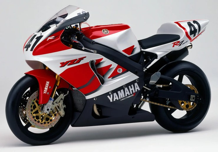 Classic or crusher? Yamaha YZF-R7 OW02   MCN