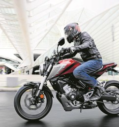 honda add a sophisticated touch to the sporty naked 125 class  [ 1200 x 800 Pixel ]