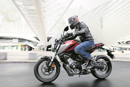 small resolution of honda add a sophisticated touch to the sporty naked 125 class