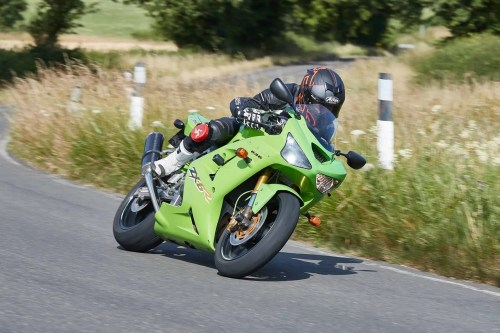 small resolution of the 2003 kawasaki zx 6r was the most radical yet