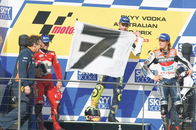 Rossi pays homage to Barry Sheene