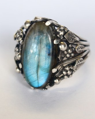Fruits & Flowers ring: silver, labradorite