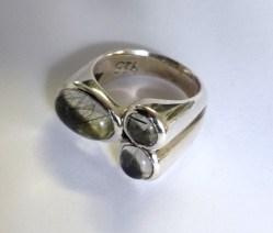 Ring: silver, toutmalated quartz, moonstone