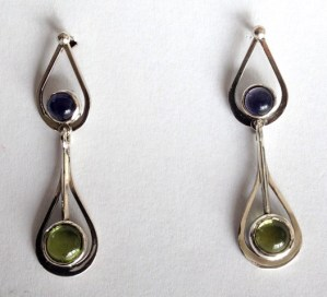 Drop earring: silver, iolites, tourmalines