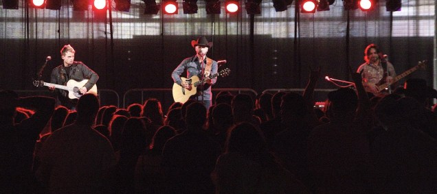 Craig Campbell works the crowd at Jasper Days. Photo by James O'Connor.