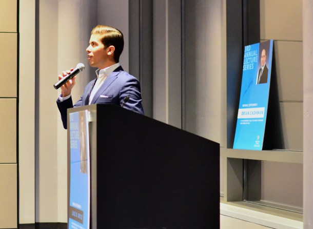 Luis Ortiz talks to students about his success. Photo by Ashley Sanchez.