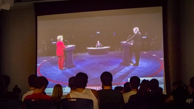 debate-night-at-kelly-1