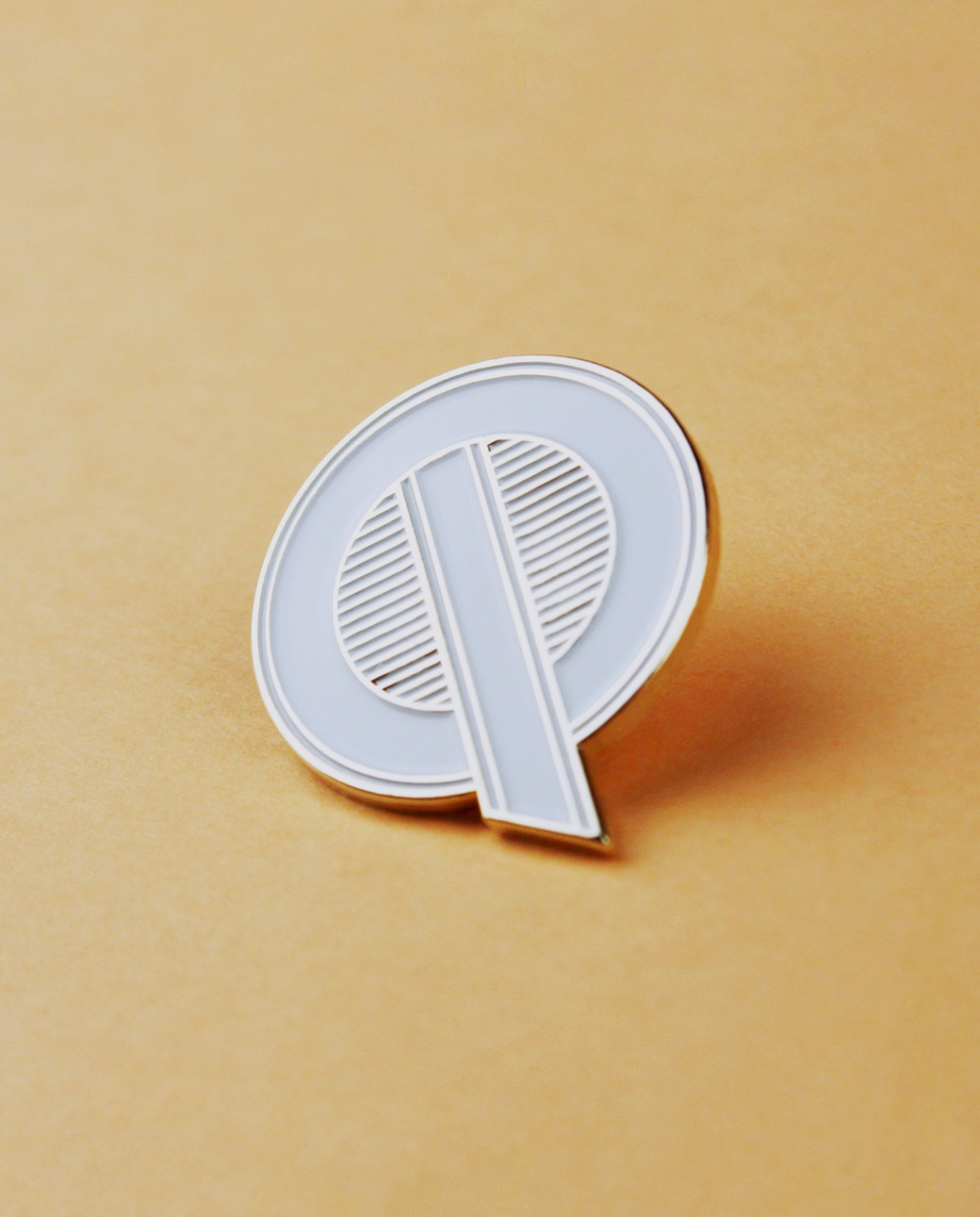 Character Collection Letter 'Q' Enamel Pin