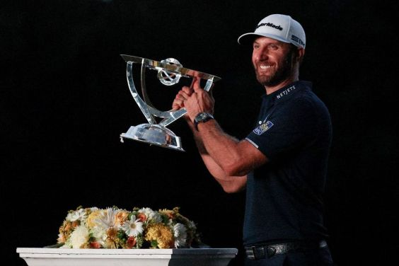 Dustin Johnson (USA) celebrating the Northern Trust PGA victory. Photo: Dustin Johnson (Facebook)