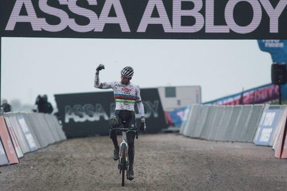 van der Poel winning again. Photo: UCI