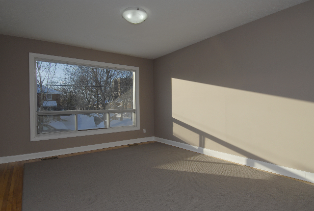 1503 Gilles main floor bay window
