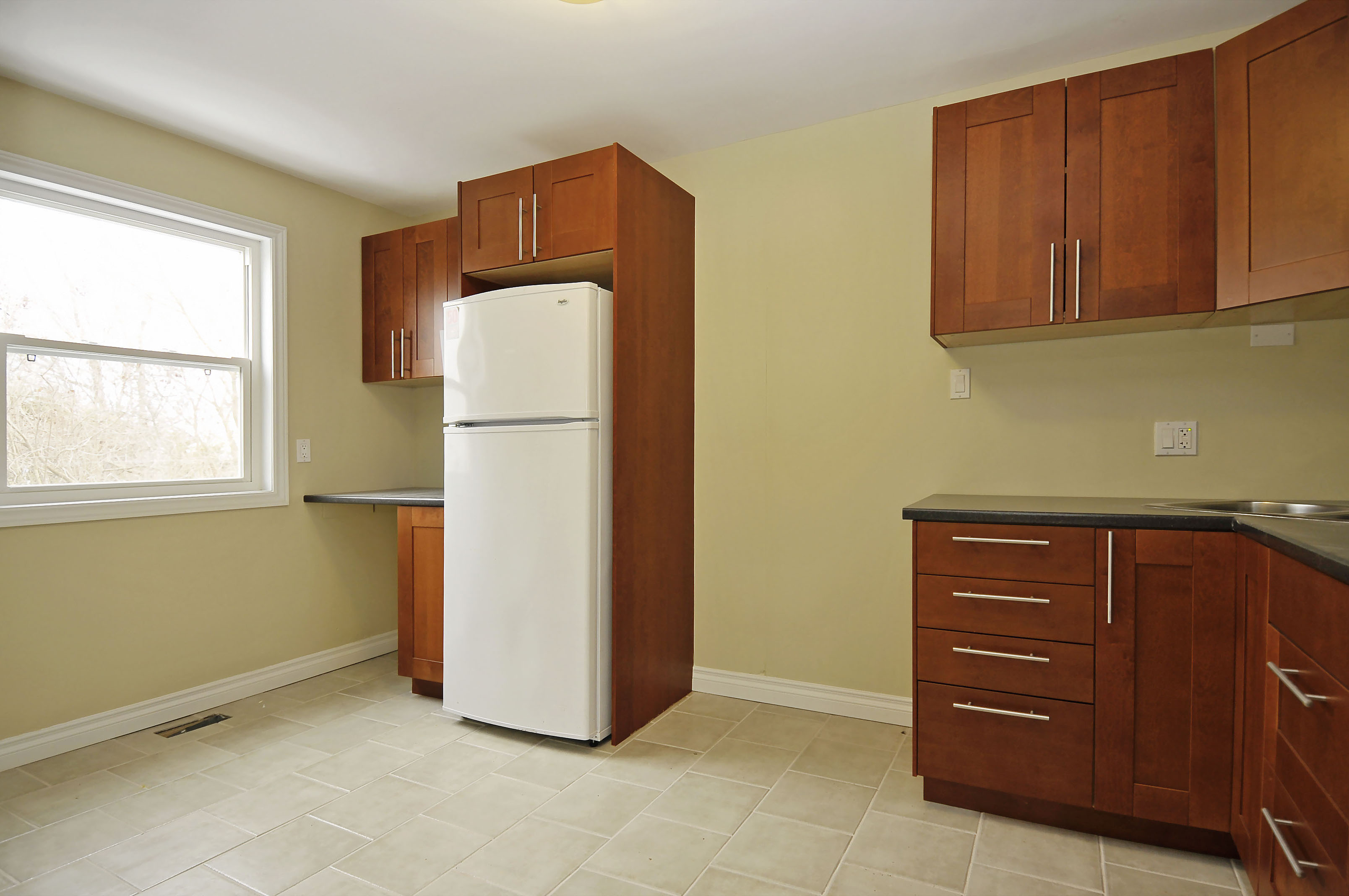 2-1127 Richard Avenue second floor kitchen