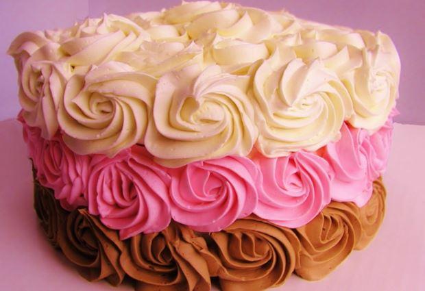 Como hacer crema para decorar tortas caseras receta facil for Como decorar una torta facil y rapido