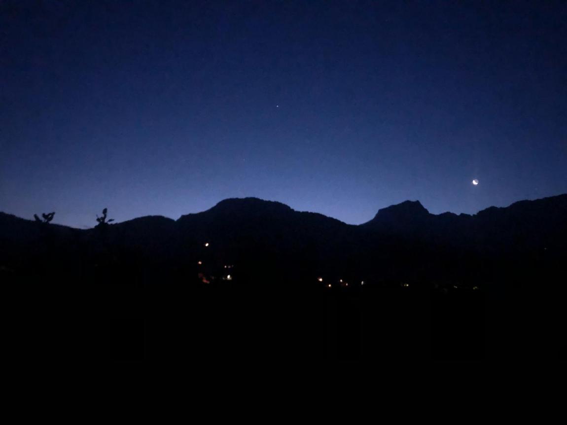 Midnight valley