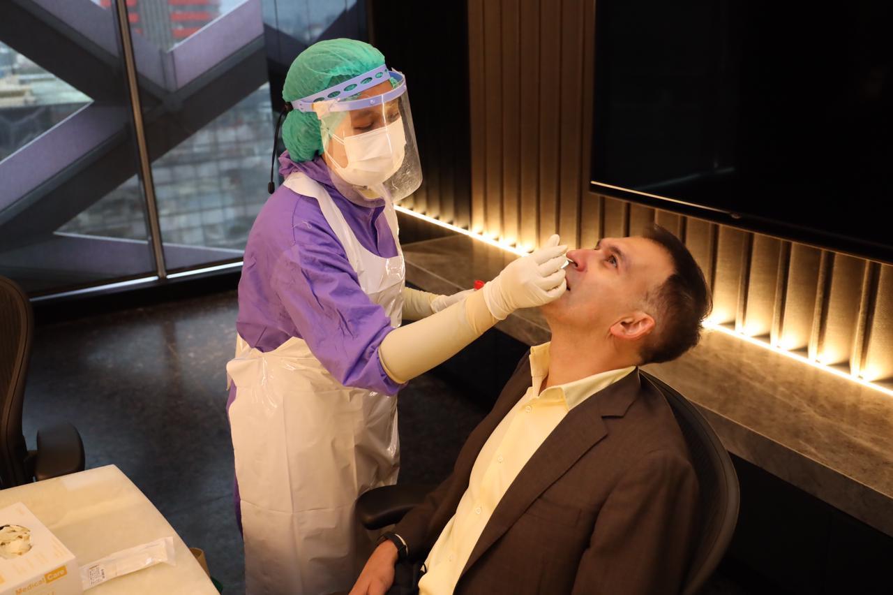 Jangan lupa untuk tetap menjalani protokol kesehatan meskipun sudah mendapatkan vaksinasi Covid-19. Semoga semua tetap aman dan sehat!