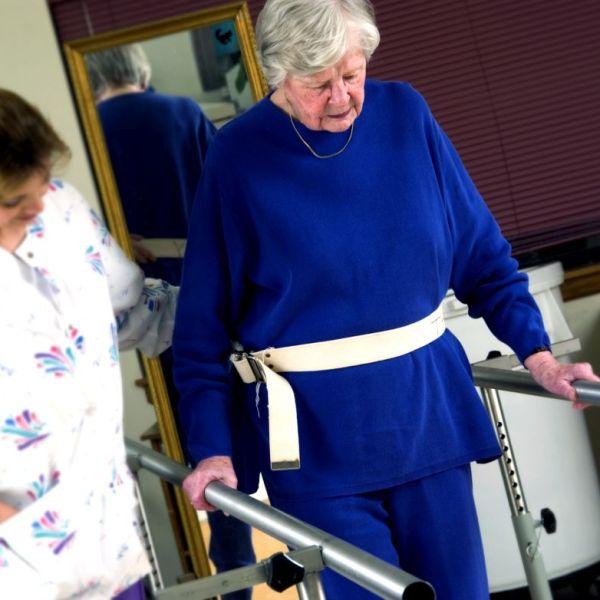 Kobieta na turnusie geriatrycznym