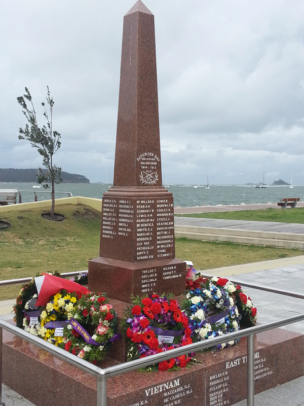 War memorial, Batemans  Bay. The memorial was unveiled in 1917 soon after the second conscription referendum. There was strong anti-conscription sentiment in the district as reflected in the referenda voting and the wording on the memorial specifically mentions volunteers. The names on the east face are those of men from Batemans Bay, on the north from Nelligen and on the south from Mogo. The names of men from the district who enlisted in 1918 were never addedBay