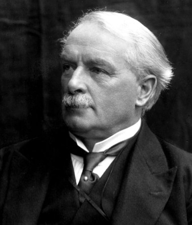 David Lloyd George. Atthe outbreak of the First World War, Lloyd George served as minister for munitions and as secretary for war.