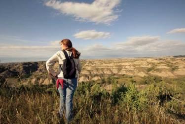 North_Dakota_Outdoors_Hiking_In_Badlands_JN