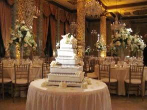Wedding pin spot on cake at Drake
