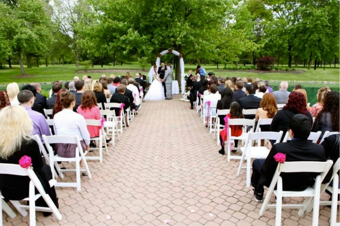 White Pines Golf Club Rustic Chic Wedding Venue Ceremony