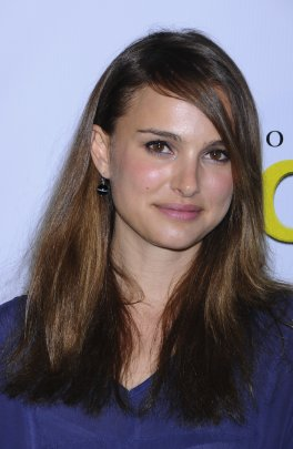 83083_celebutopia-natalie_portman_arrives_at_the_20th_annual_producers_guild_awards-09_122_408lo