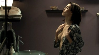 christy_carlson_romano_nude_topless_and_nude_butt_-_mirrors_2__2010__hd1080p_1