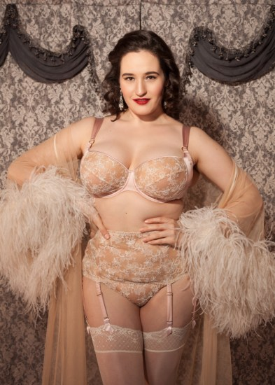 sweet-nothings-reviews-harlow-and-fox-serena-rose-6-lores-731x1024