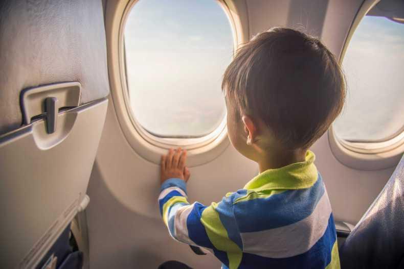 Чем занять ребенка в самолете, поезде, машине: 45 идей для игр в дороге - 4