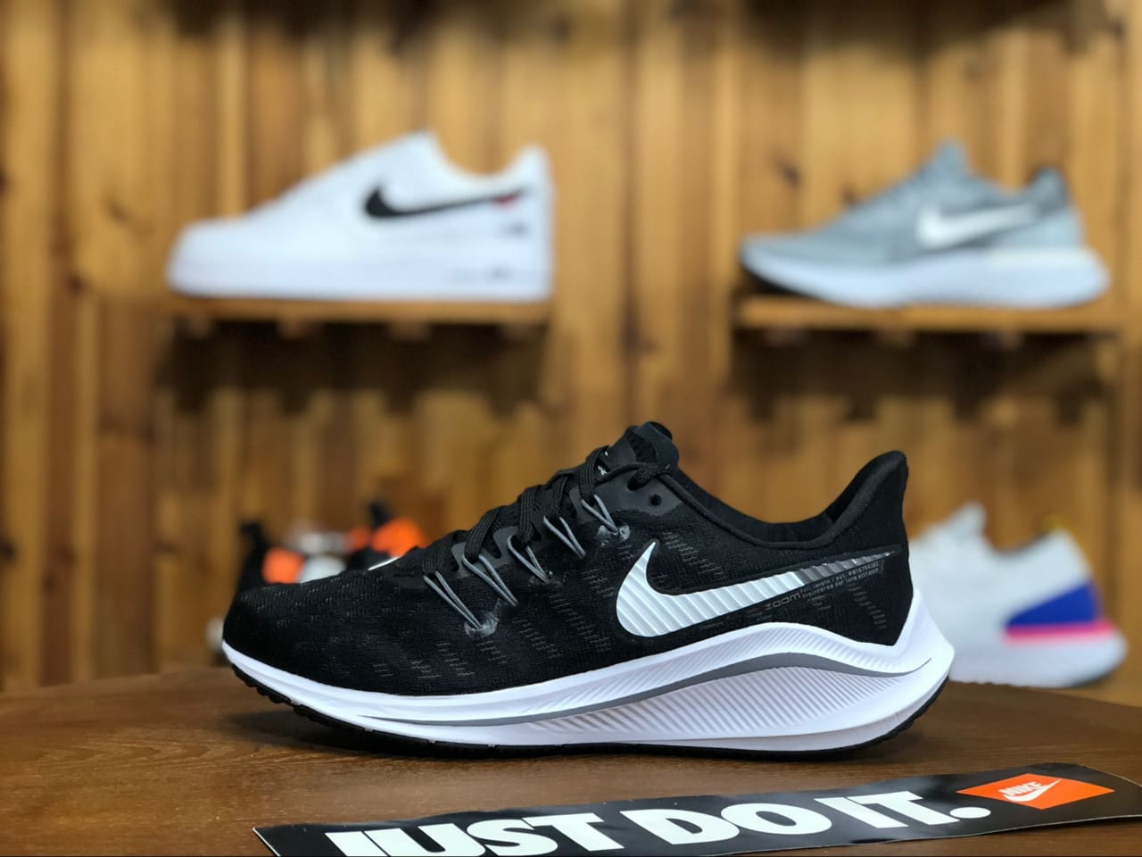 Nike Vomero 14 Shoes