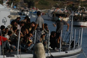 Migrants arriving on the island of lampedusa - Photo by Sara Prestianni/Noborder Network (Creative Commons 2.0)