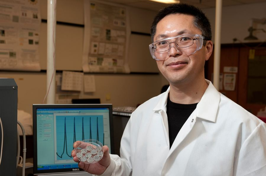 Bingqing Wei Admitted As a Fellow of the Royal Society of Chemistry